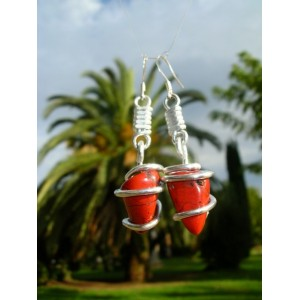 """Nudo"" earrings with natural stones"
