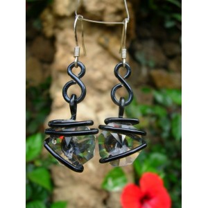 """Infinito"" earrings with colored wire and glass"