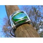 Gros bracelet carré avec verre coloré