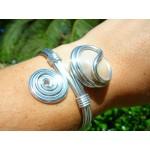 "Bracelet ""spirale"" crème"