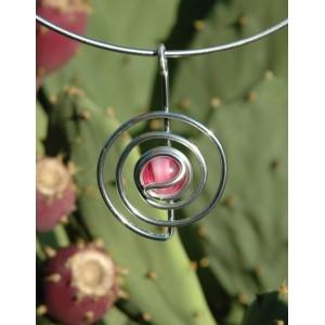 """Petit pendentif """"spirale"""" avec verre coloré"""