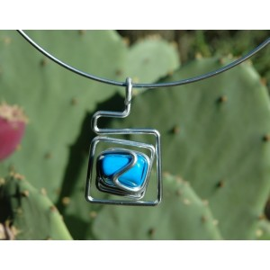"""""""Asymmetric square"""" pendant with natural stone"""