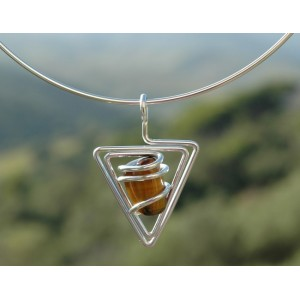 """""""Triangle"""" pendant with natural stone"""