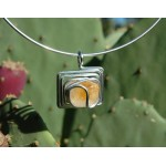 """Square"" pendant with natural stone"