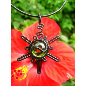 "Pendentif ""sunshine"" black is black"