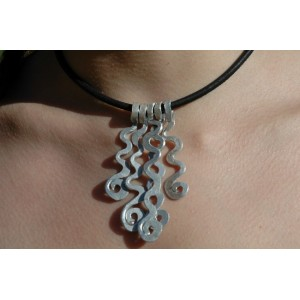 """Ondulations"" hammered pendant"