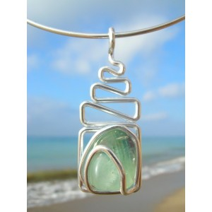 """Echelle"" pendant with natural stone"