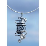 """Nuage"" pendant with big natural stone"