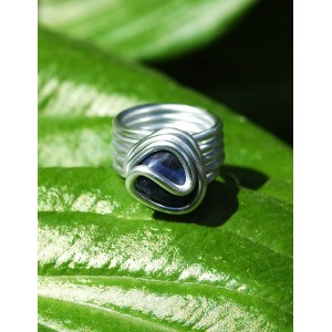 """Planeta"" ring with small natural stone"