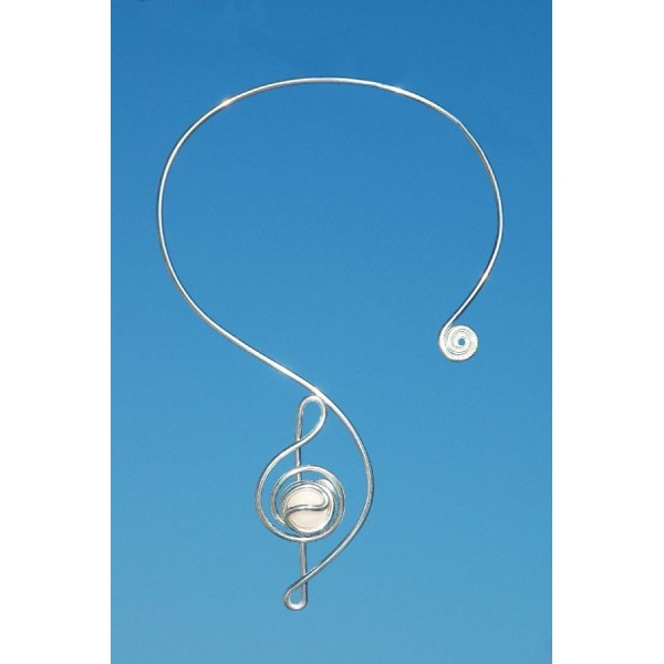 collier charpe clef de sol avec verre color bijoux book. Black Bedroom Furniture Sets. Home Design Ideas