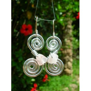 Double-spirale earrings with small natural stones