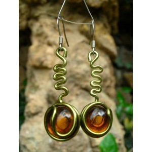 """""""Père"""" earrings with color wire and glass"""