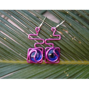 """""""Maya"""" earrings with colored wire and glass"""