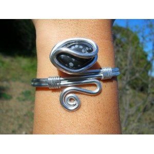 """Zig"" bracelet with natural stone"