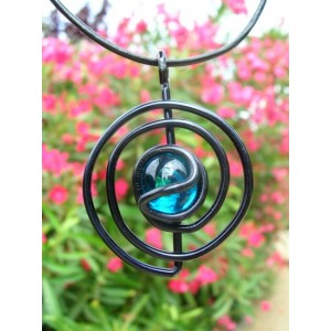 """Spirale"" black pendant"