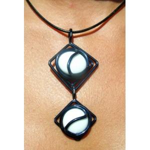 """Doble-diamond"" black pendant"