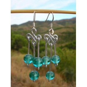 """""""Trebol"""" earrings with Indian glass beads"""