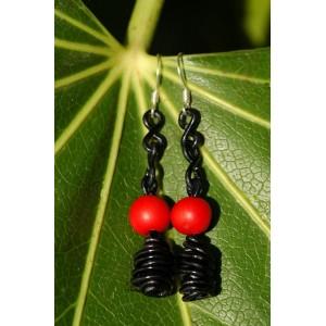 """""""EtniKa"""" earrings with Amazonian seeds"""