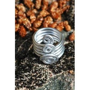 """""""India"""" hammered ring"""