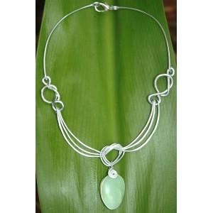 """Le collier """"Enlacements"""" avec pierre naturelle"""