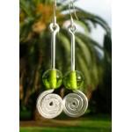 Boucles d'oreille martelées avec perle en  verre